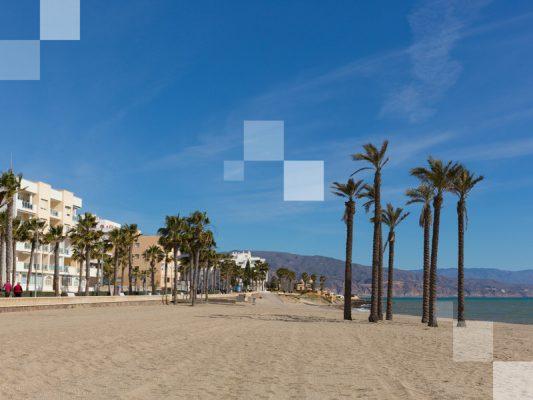 Roquetas de Mar también es una de las mejores playas de España
