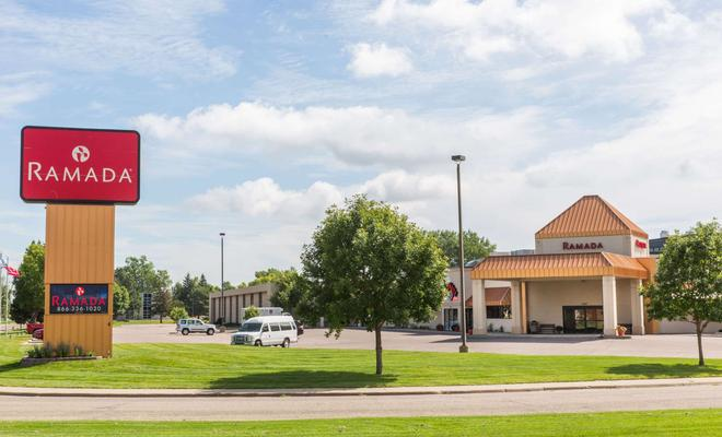Ramada Sioux Falls Airport Hotel and Suites