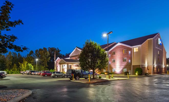 Best Western Plus Executive Suites - Columbus East