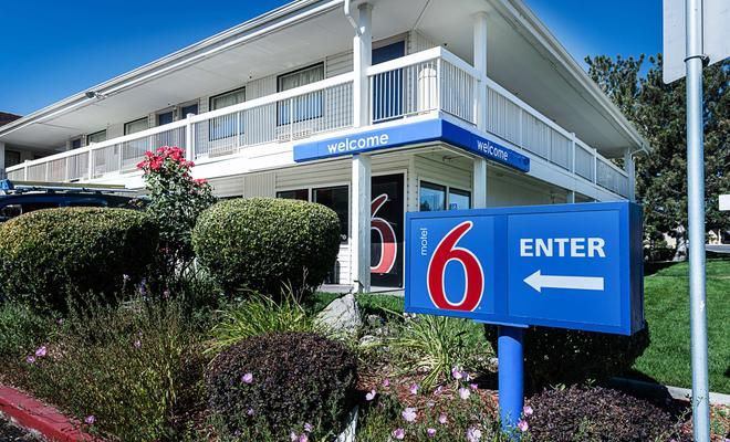 Motel 6 Reno Airport Sparks